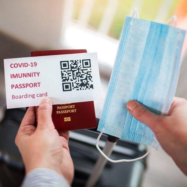 Bruselas ultima un 'pasaporte Covid' que permita viajar a quien esté inmunizado