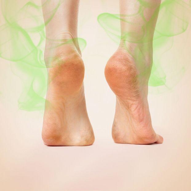 ¿Por qué nos huelen mal los pies?