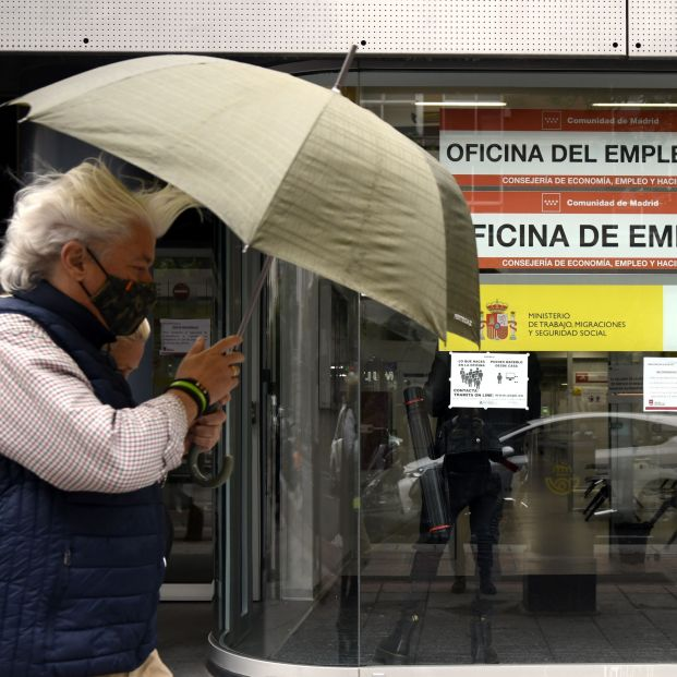 Pésimos datos para el empleo: El paro supera los 4 millones de personas