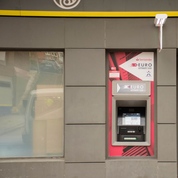 Correos instala cajeros automáticos en 109 oficinas de toda España