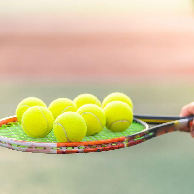 Personaliza los topes de las puertas con una pelota Foto: bigstock