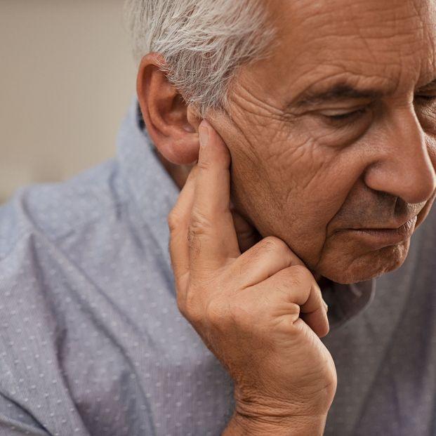 Los españoles presentan problemas de audición cada vez a edad más temprana