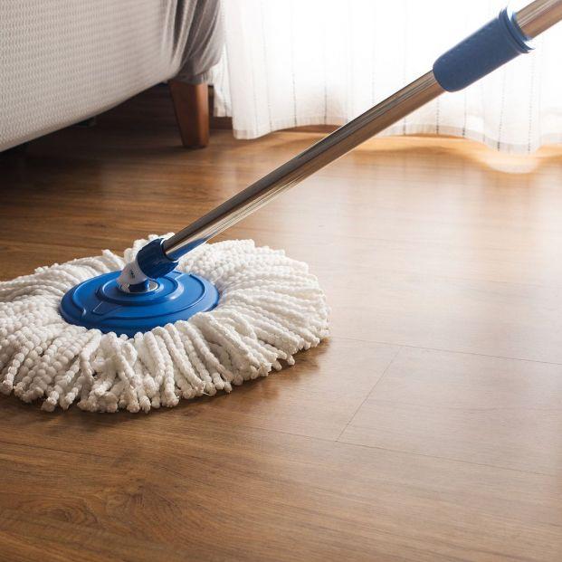 Cómo limpiar la fregona y eliminar su mal olor Foto: bigstock