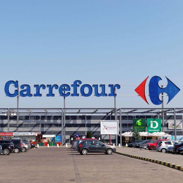 El rácano premio de Carrefour a unos clientes mayores que desata todo tipo de mofas en las redes