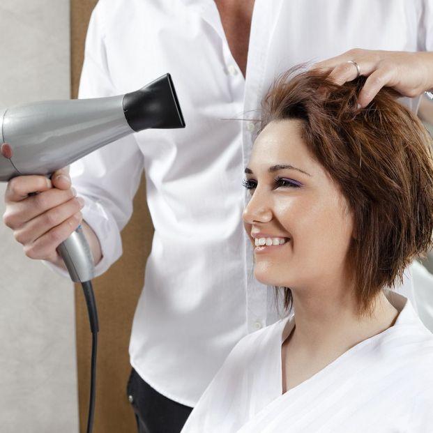 Trucos y peinados para disimular la frente ancha más allá del flequillo foto: bigstock