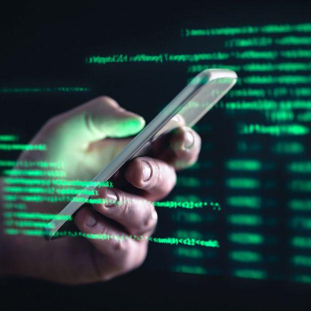 """El timo """"FedEx"""": la última estafa vía SMS que te puede robar todo tu dinero"""