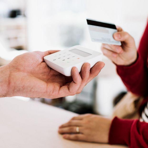 Pagos 'sin contacto' con móvil o tarjeta ¿Cuál es el importe máximo actual que me exime de marcar el PIN? (Foto Bigstcok)
