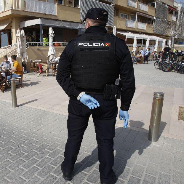 Seis detenidos en Mallorca por secuestrar a un discapacitado y tatuarle dos penes en la cara