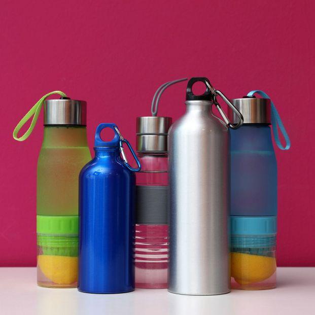 Las botellas de agua reutilizables: un foco de infecciones