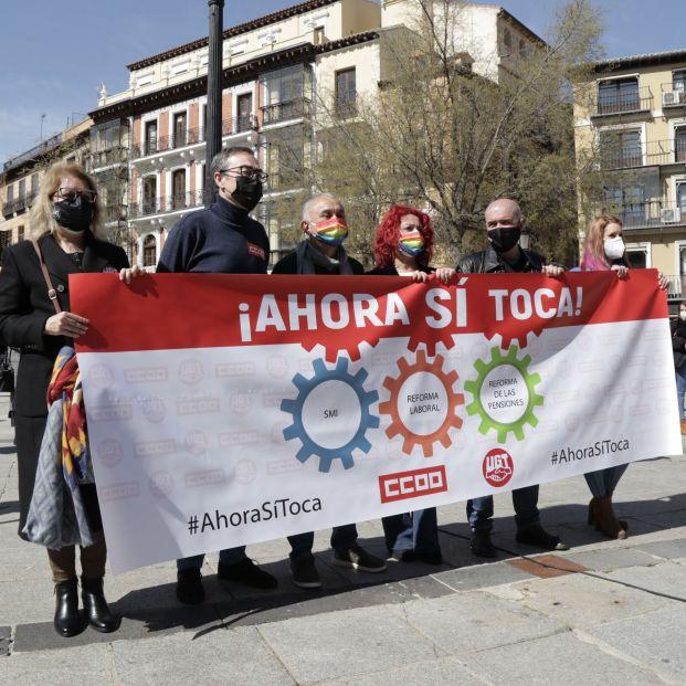 """CCOO y UGT seguirán luchando por las pensiones al margen del """"histerismo político"""""""