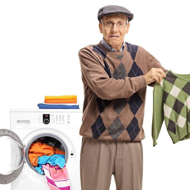 ¿Se te ha encogido un jersey de lana al lavarlo? Puedes recuperarlo