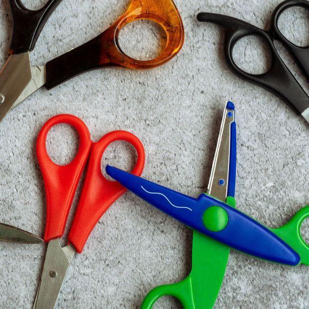 Trucos caseros para afilar las tijeras de forma muy sencilla