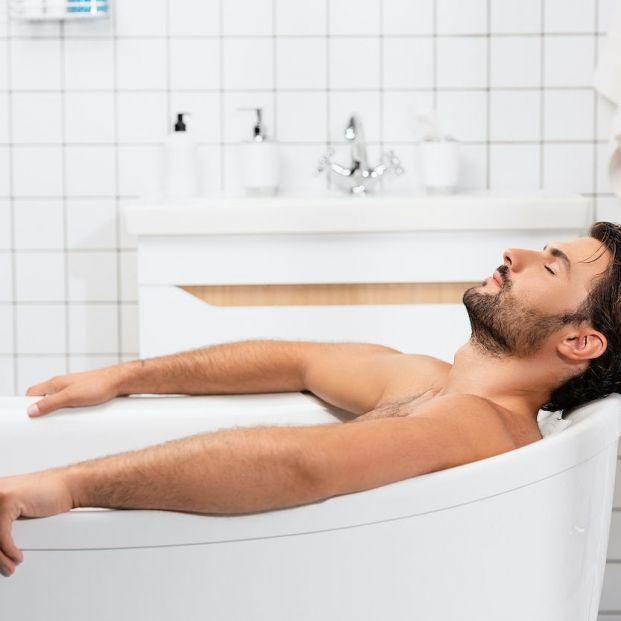 ¿Tomar un baño caliente quema tantas calorías como una caminata?