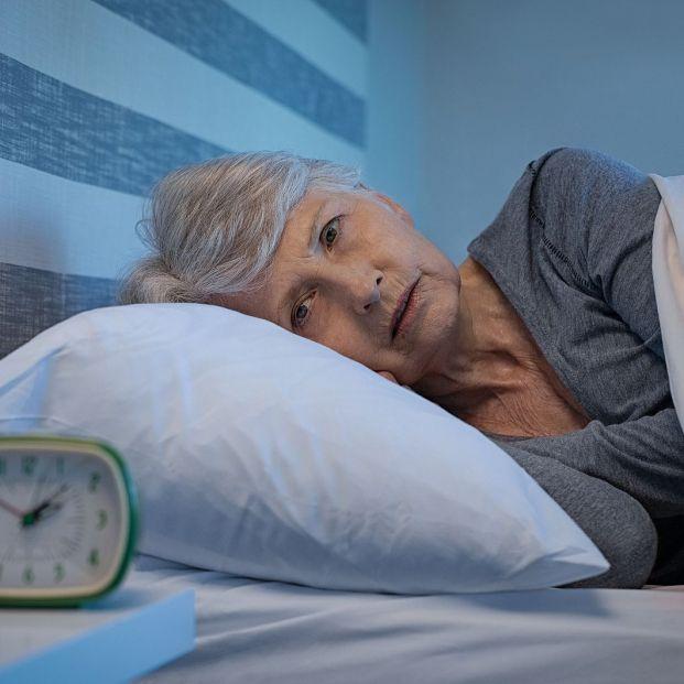 Formas de conseguir dormir más horas a medida que envejeces (Foto Bigstock)