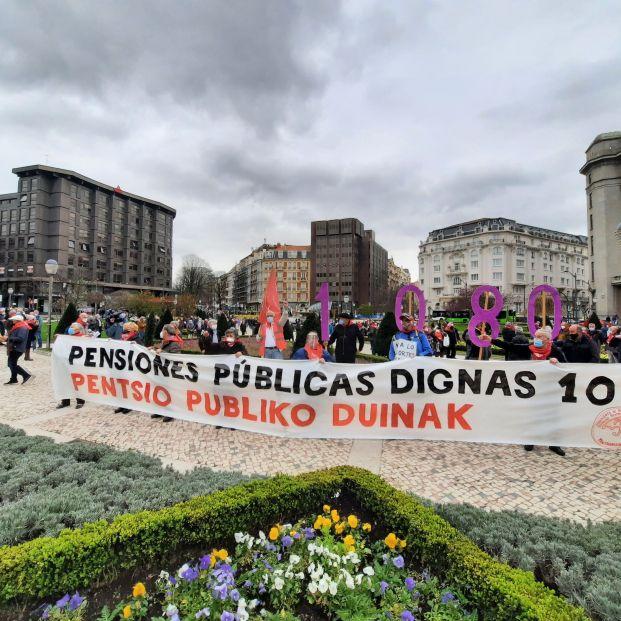 Los pensionistas vascos exigen una reunión urgente con Pedro Sánchez
