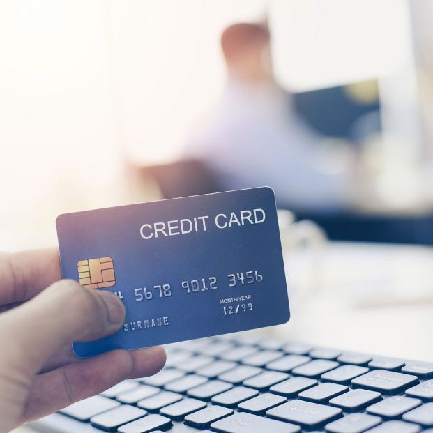 Si me roban la tarjeta de crédito y la utilizan antes de que informe al banco o denuncie, ¿en qué casos debo hacerme cargo del gasto? (Foto Bigstock) 2