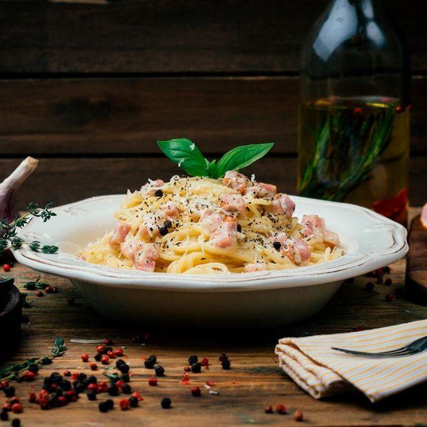 Así se hacen los auténticos espaguetis carbonara