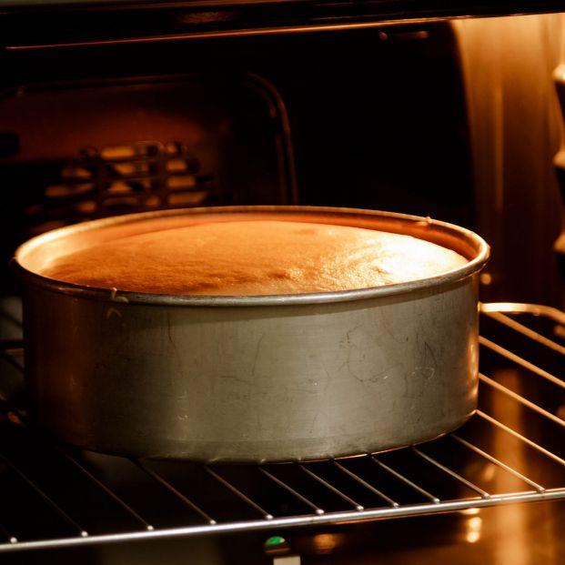 Errores que cometes al hornear un bizcocho Foto: bigstock
