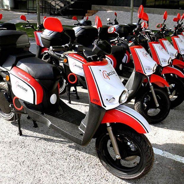 El Ayuntamiento de Barcelona multa a Acciona por habilitar motos de uso compartido sin licencia