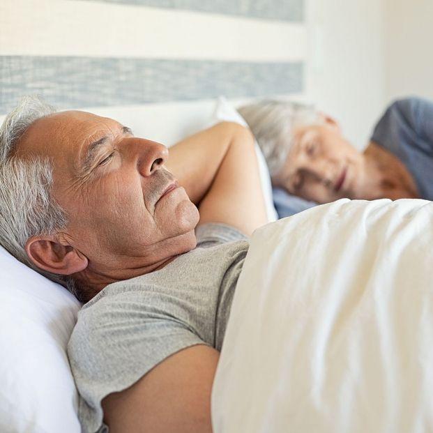 Dormir de lado, boca arriba o boca abajo, ¿cuál es la mejor posición?