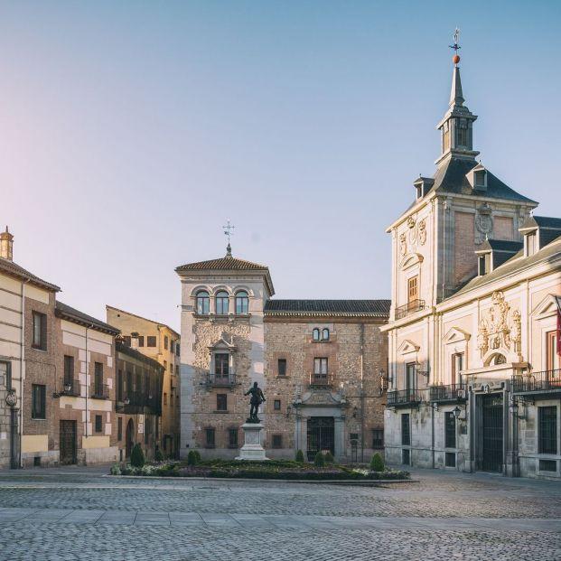 Madrid de los Austrias: Plaza de la Villa (Bigstock)