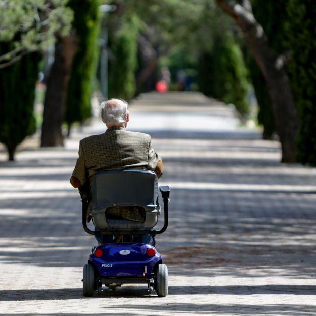 Madrid desconfina las residencias: se podrá visitar a los mayores sin límite de tiempo al aire libre