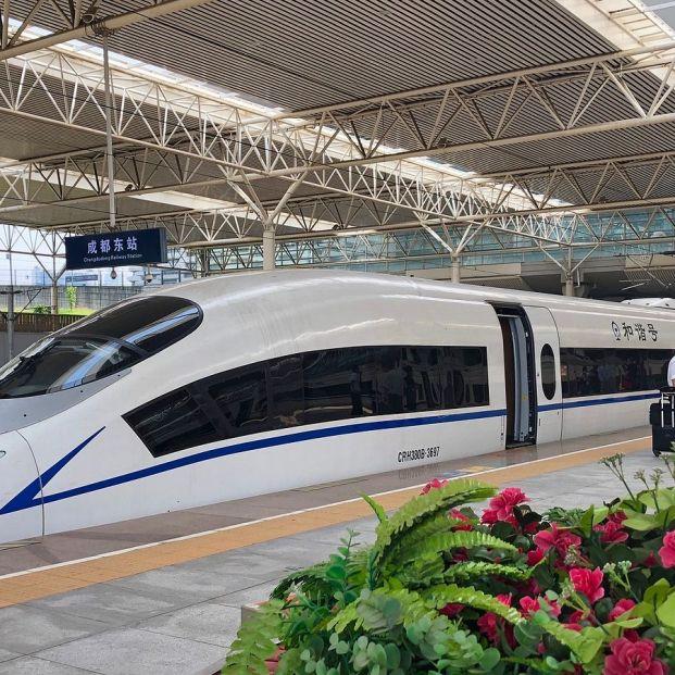 La línea de metro más futurista de mundo está en China. Bigstock