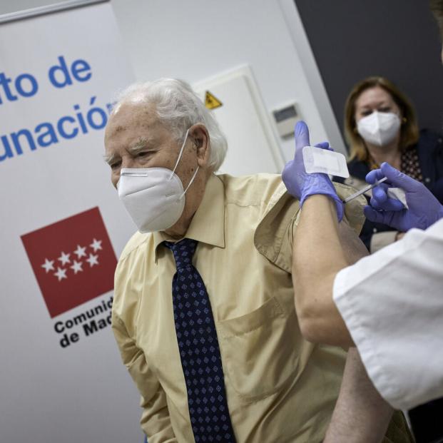 CSIF traslada a Muface las quejas de funcionarios jubilados que no han sido vacunados del Covid. Foto: Europa Press