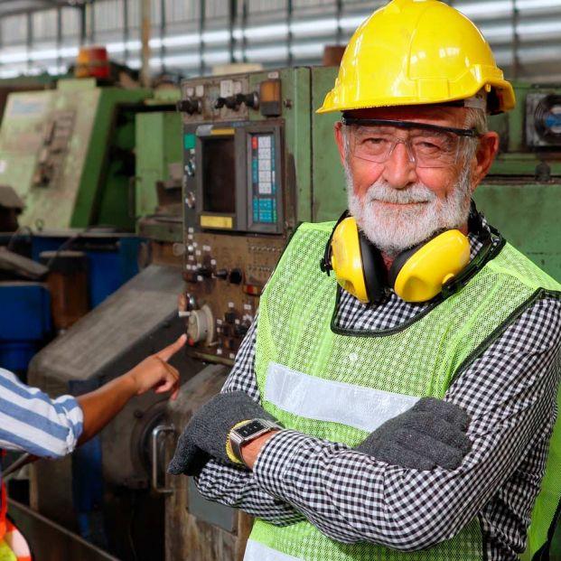 Las cinco medidas que propone Fedea para incentivar que los trabajadores mayores sigan en activo