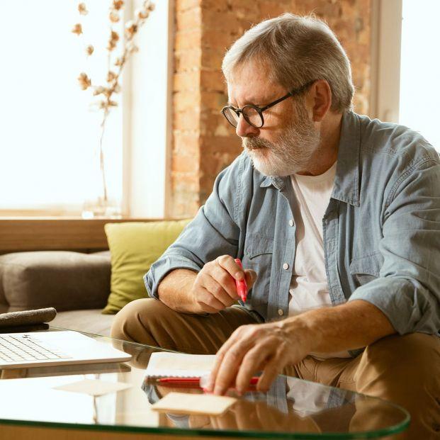 Incompatibilidad entre pensiones contributivas y no contributivas
