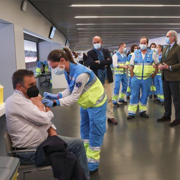 Madrid anuncia la fecha para vacunar a personas de 77 a 79 años. Foto: Europa Press