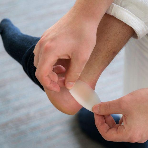 Por qué aparecen ampollas en los pies y cómo se curan (Bigstock)