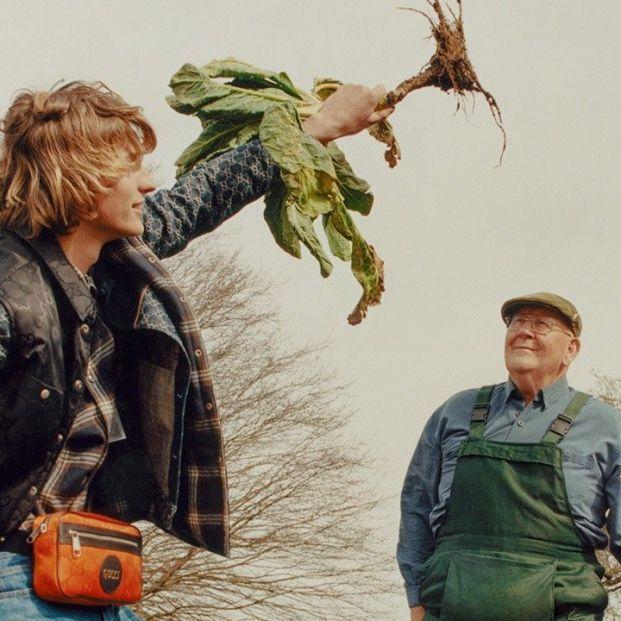 Un agricultor de 72 años, de 'rey de las verduras' a estrella de Gucci