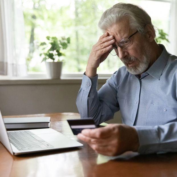 La Guardia Civil alerta a los mayores sobre las gestiones en la banca online y compras por internet (bigstock)