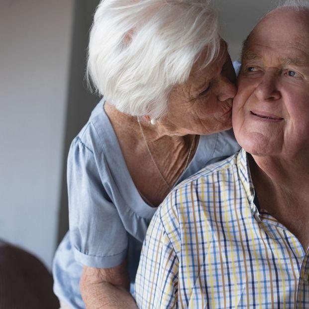 """Los mayores necesitan más besos: """"En la tercera edad es cuando más hace falta el contacto"""""""