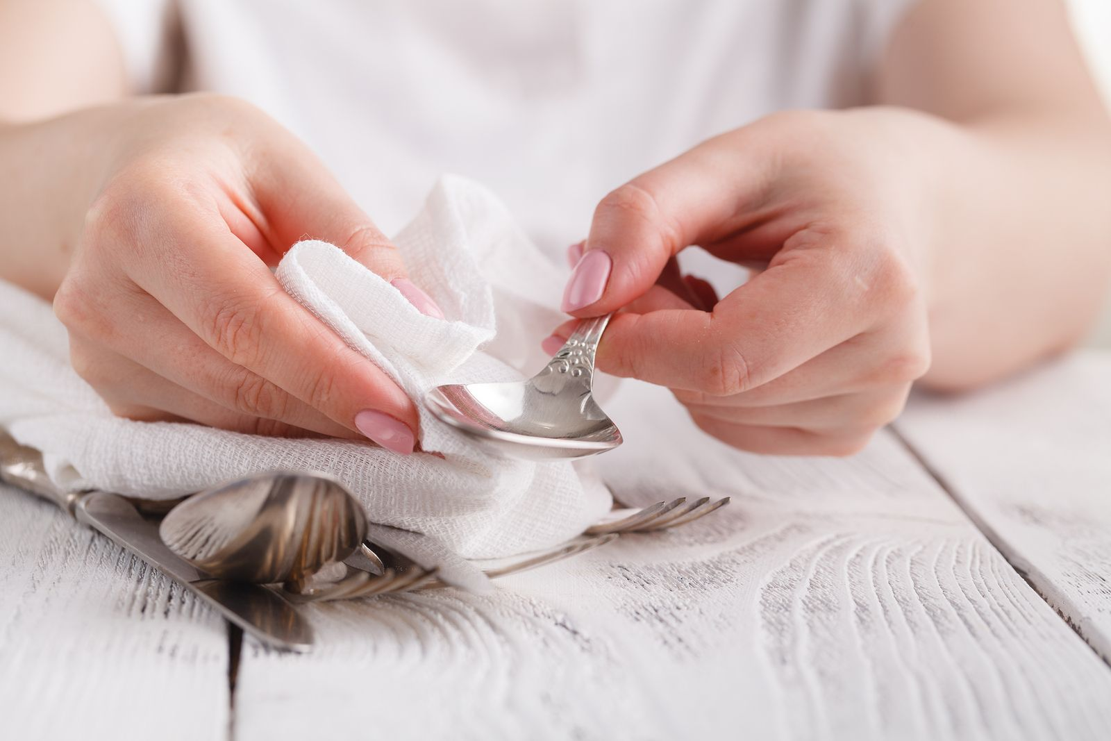 e5bb3369a14d Sencillos trucos para limpiar los objetos de plata y oro