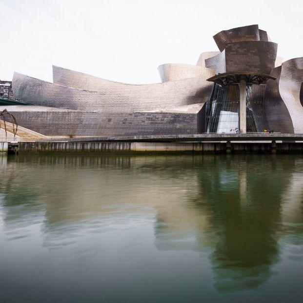 Museo Guggenheim en Bilbao presenta la exposición Una mirada atrás Giorgio Morandi (BigStock)