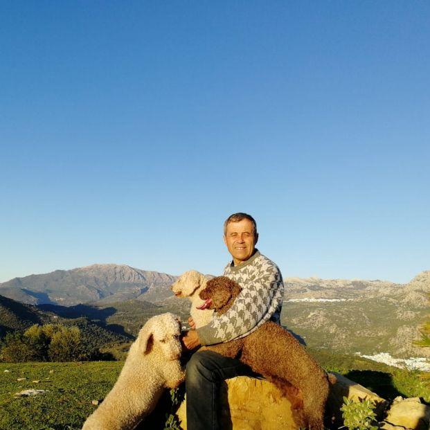 Terapia con perros, un remedio para luchar contra la soledad de los mayores.