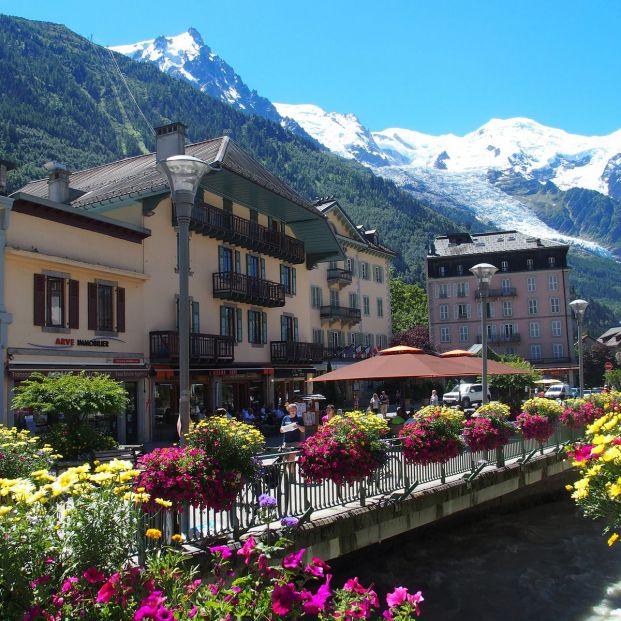 Chamonix, el pueblo de montaña a los pies del Mont Blanc (Bigstock)