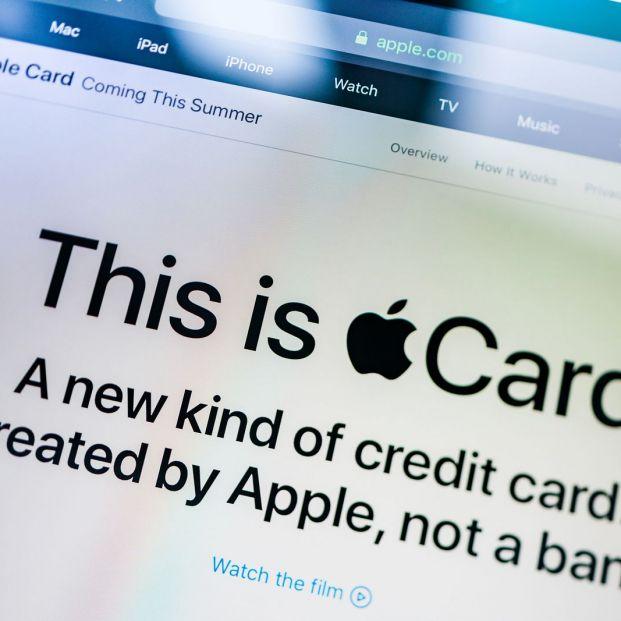 Apple Card (Bigstock)