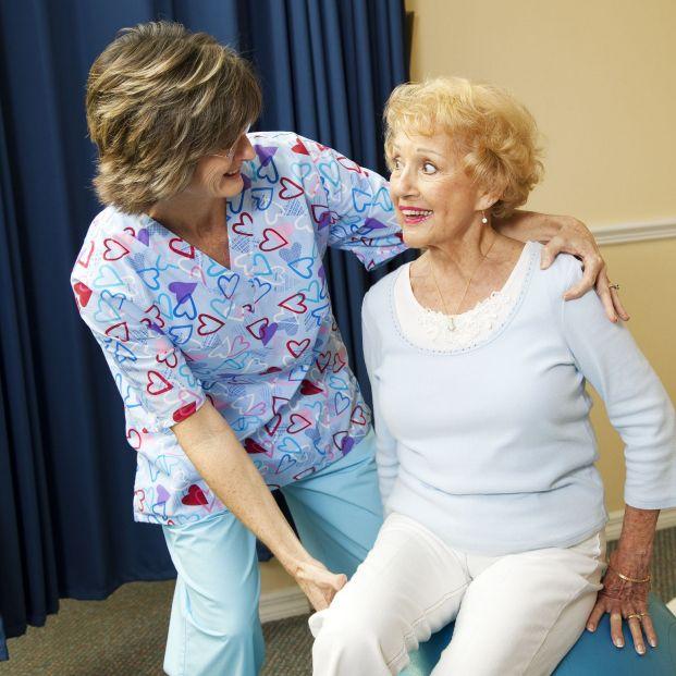Fisioterapia para combatir la osteoporosis (Bigstock)