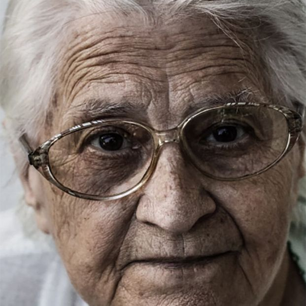 Una pensionista percibe de media entre 420 y 450 euros menos que un hombre