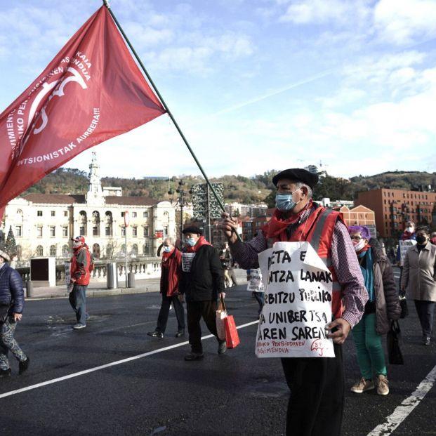 """Quejas de pensionistas de Bizkaia porque hacer la Declaración de la Renta es """"misión imposible"""""""