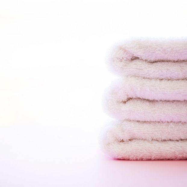 ¿Cómo puedo quitar el olor a humedad de las toallas? (Big stock)