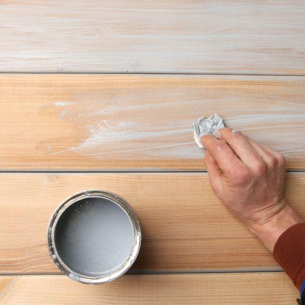 ¿Cómo puedo limpiar la madera sin dejar rastro? (big stock)