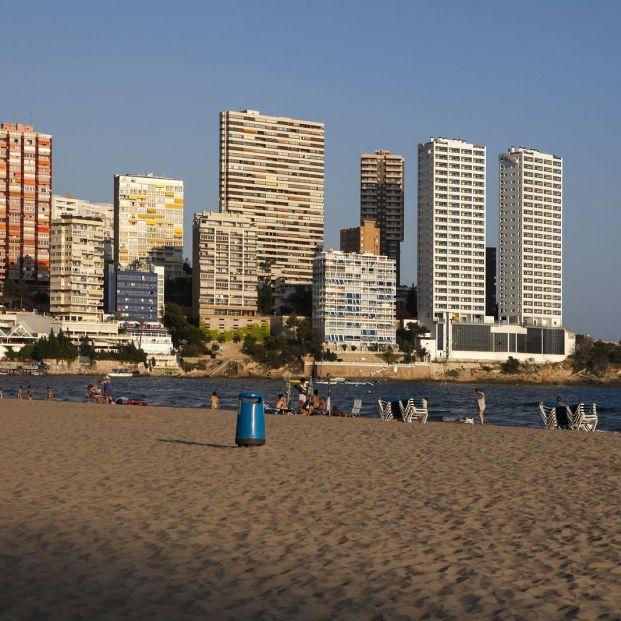 Playas urbanas Benidorm (Bigstock)