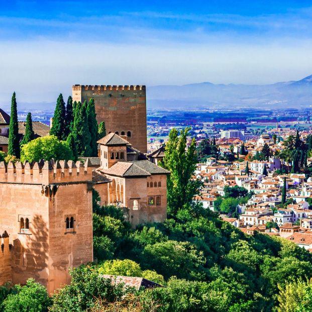 Vista de la ciudad de Granada (bigstock)