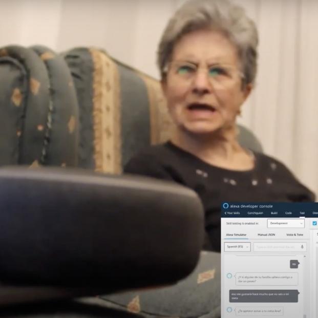 'Conchi', el asistente virtual que pregunta y evalúa el estado de personas mayores y que viven solas (Captura YouTuve)
