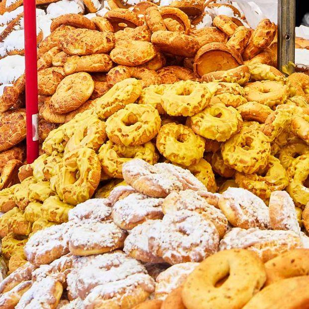 Receta de rosquillas tontas y rosquillas listas típicas de Madrid