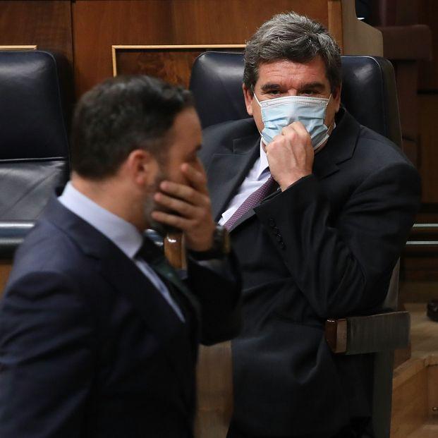 EuropaPress 3255556 presidente vox santiago abascal pasa delante ministro inclusion seguridad